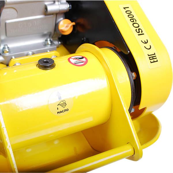Виброплита бензиновая CHAMPION PC6337F 1
